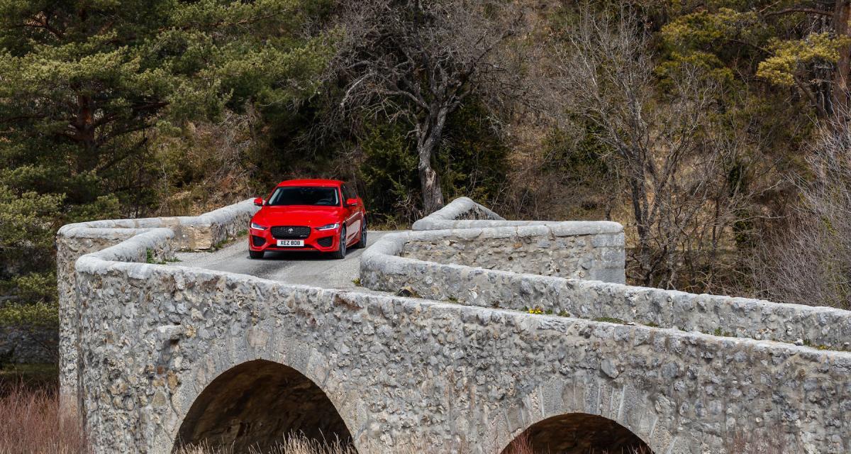 Jaguar XE restylée : notre essai de la berline premium anglaise