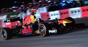 Formule 1 : Red Bull fait le show au Vietnam avant le Grand Prix 2020