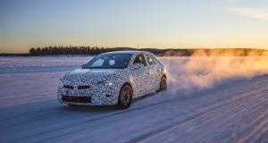 Peugeot 208 vs Opel Corsa : ennemies de l'intérieur ?