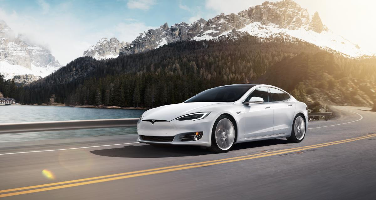 Tesla souhaite se lancer dans l'assurance auto
