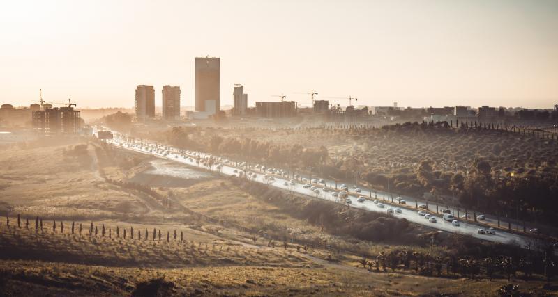 Ramadan en Algérie : la gendarmerie rompt le jeûne avec les automobilistes