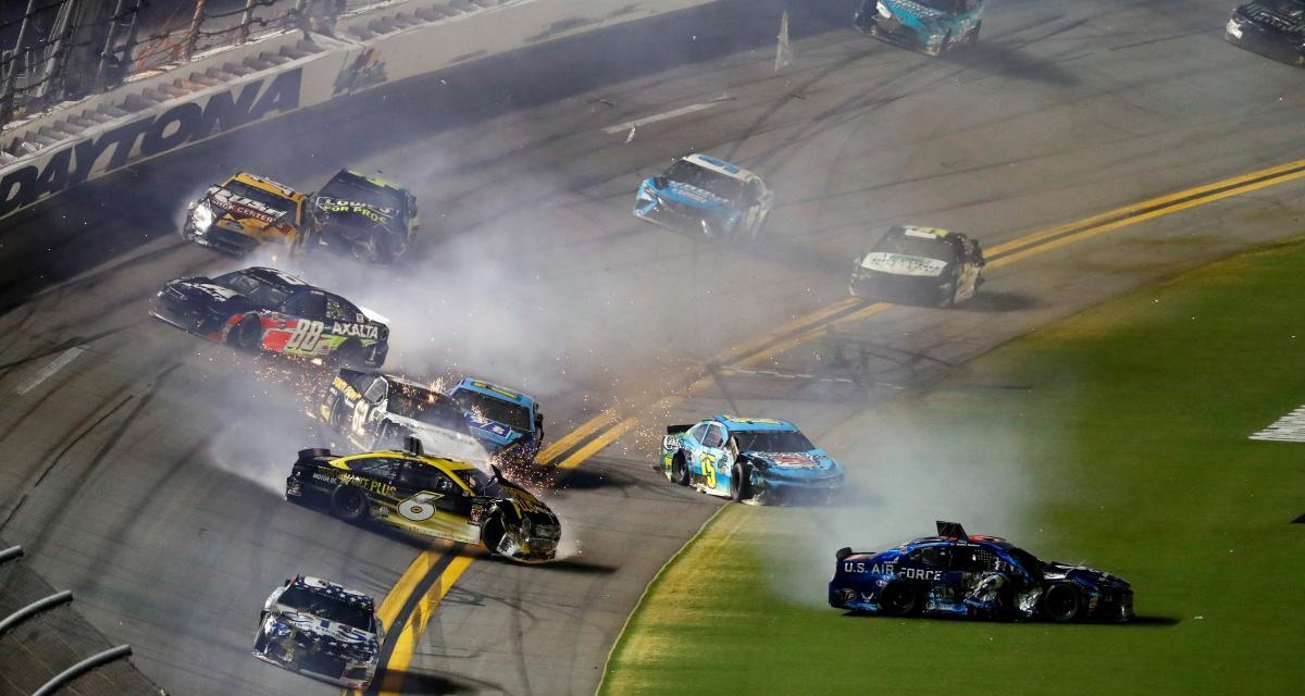 NASCAR : bagarre entre deux pilotes (vidéo)