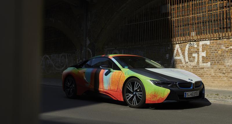 BMW i8 : sculpture automobile par Thomas Scheibitz