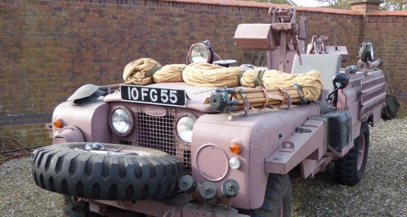 Land Rover Series 2A Pink Panther : la panthère rose au service de sa Majesté