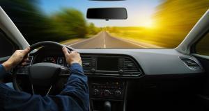 Flashé à 156 km/h avec de fausses plaques sur une route limitée à 80