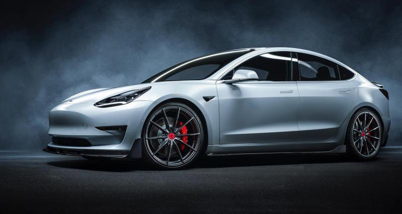 Tesla Model 3 : un kit 100% fibre signé Vorsteiner