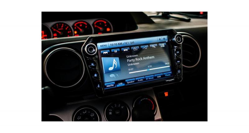 Stinger commercialisera un nouvel autoradio pour Smartphone au 3ème trimestre 2019