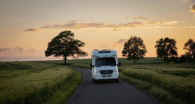 Camping-car Hymer Tramp S695 : toutes les photos et le prix du profilé sur porteur Mercedes Sprinter