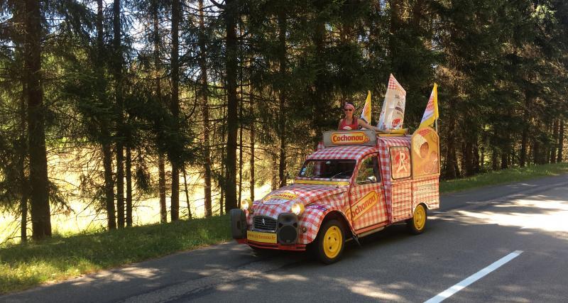 Le Tour de France en 2CV Cochonou : récit d'une journée extraordinaire au cœur de l'action