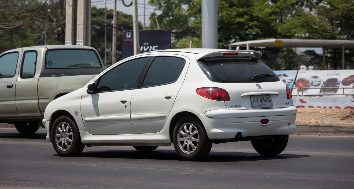Un automobiliste... de 14 ans flashé à 156 km/h au volant d'une Peugeot 206