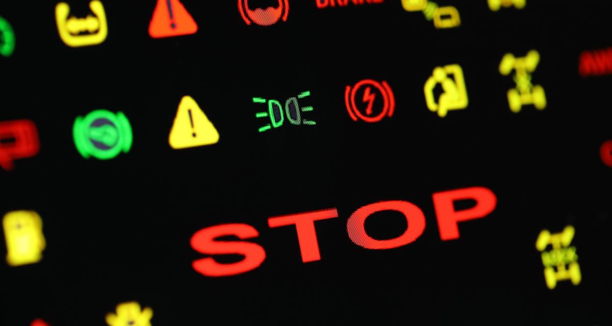 Reconnaitre Les Voyants D Alarme D Un Tableau De Bord Automobile On Vous Dit Tout Sur