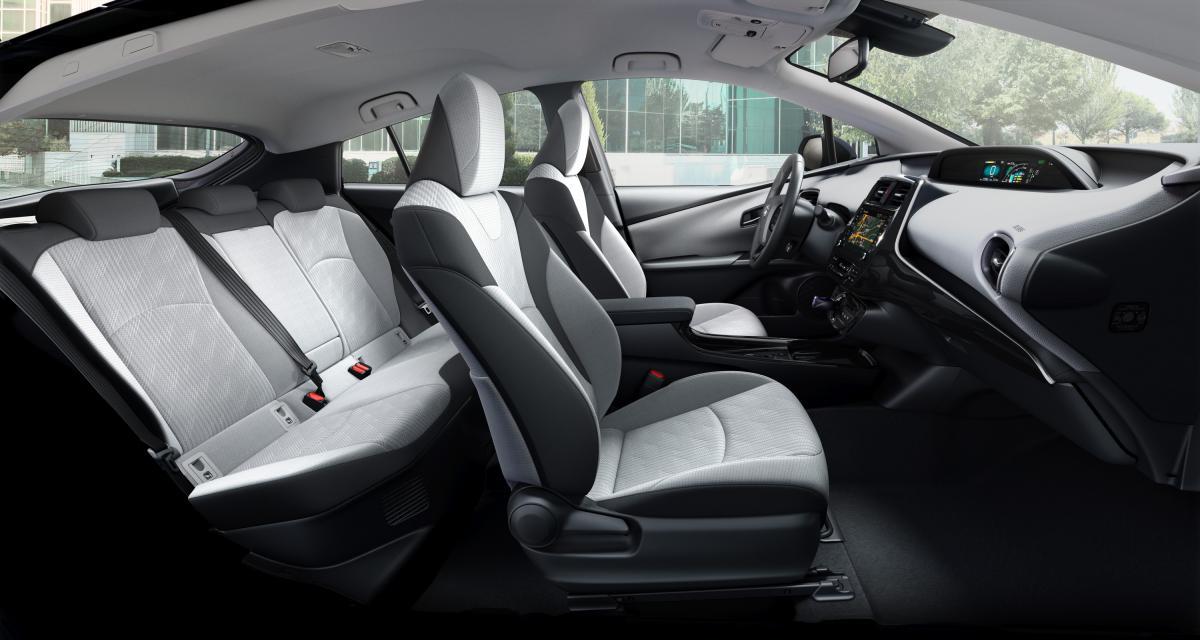 Toyota Prius Rechargeable : la version cinq places en trois points
