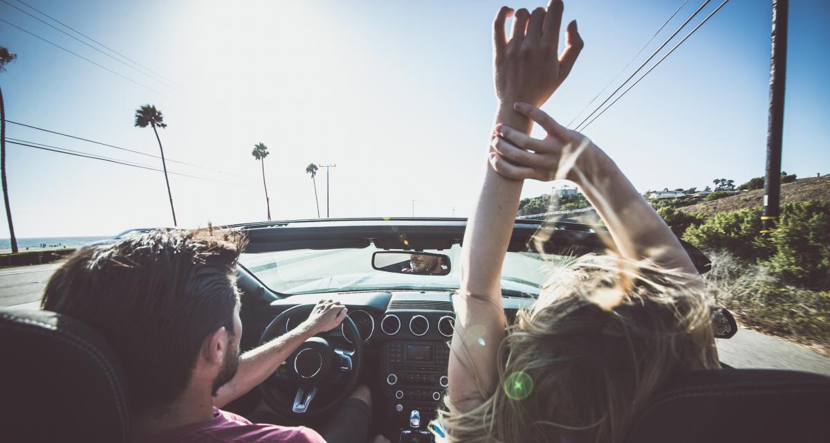 Album musical : 10 titres à écouter pour une virée en voiture