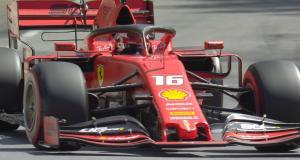 En F1 sur l'autoroute : un pilote échappé d'un Grand Prix ?