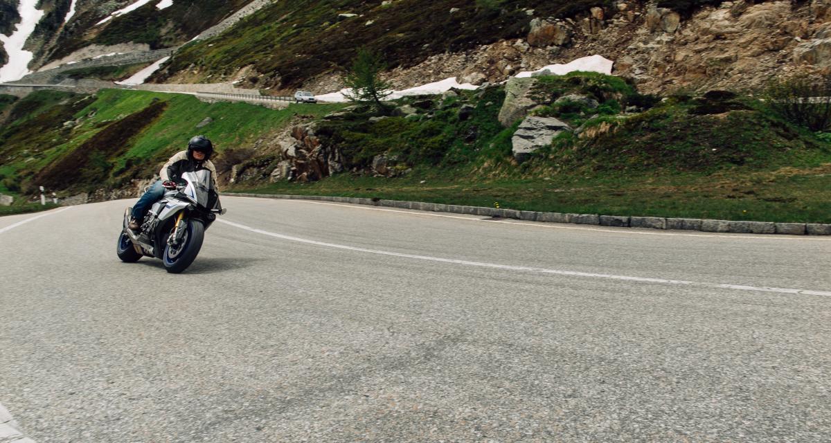 Flashé à moto à 142 km/h sur une route limitée à 90