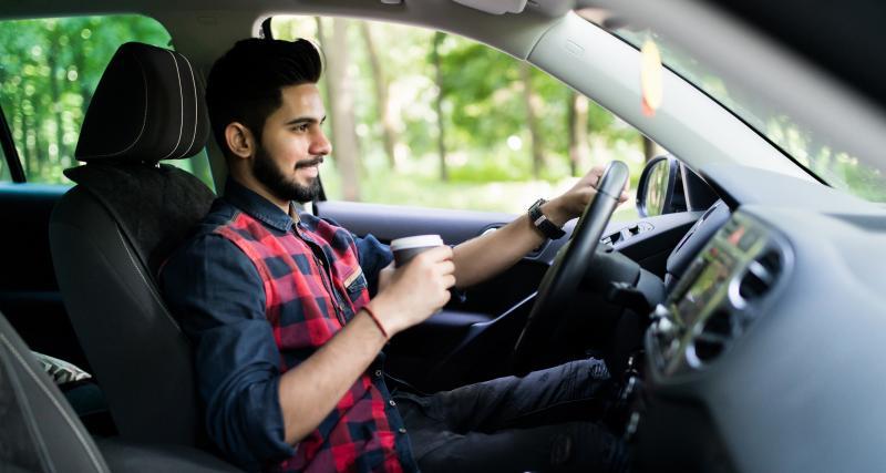 Drive-in : regardez une pièce de théâtre dans votre voiture !
