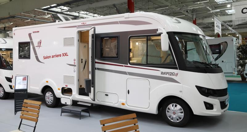 Camping-car Rapido 8094 dF : un salon roulant luxueux pour 10 personnes !