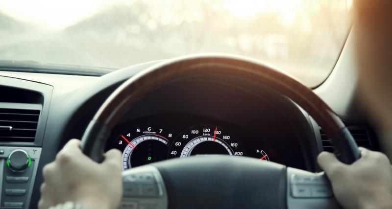 Un chauffard contrôlé à 139 km/h au lieu de 80 km/h en Renault Mégane