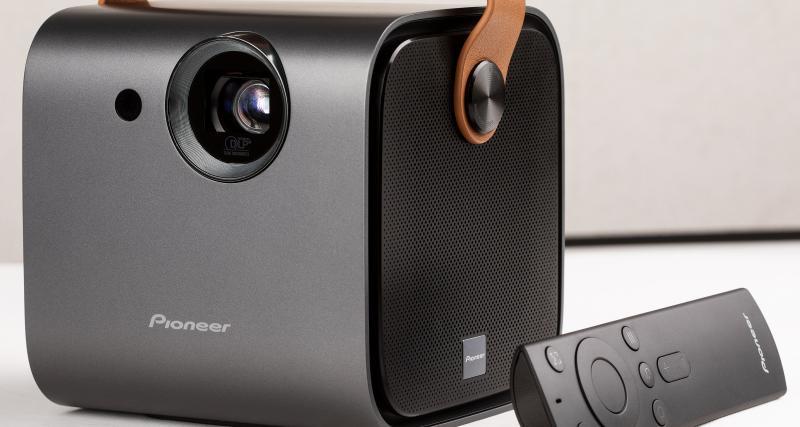 Pioneer SDA-RP100 : un projecteur nomade façon home-cinéma pour Camping-car