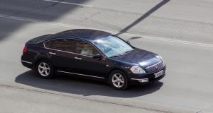 Arrêté à 202 km/h en Nissan Altima : il ne voulait pas arriver en retard à son travail