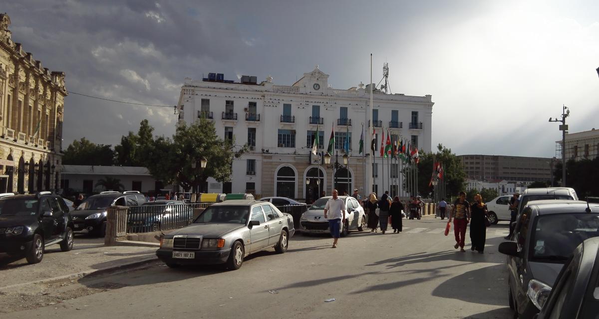 Algérie : le transport des voitures d'occasion de Marseille vers l'Algérie facturé 372 euros