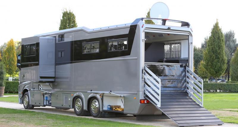 STX AKX 26/400 : un camping-car et un haras pour 500 000 € !