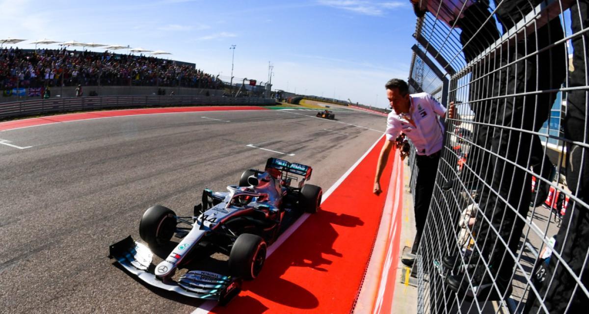"""Lewis Hamilton : """"Je ne vois pas le mal à regarder autour"""""""