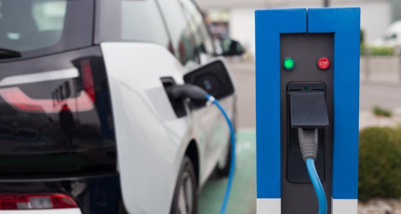 La voiture électrique au même prix qu'une thermique en 2024 ?
