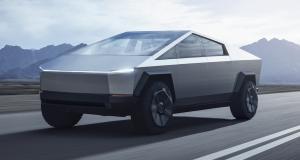 Elon Musk aperçu au volant du Tesla Cybertruck à Malibu