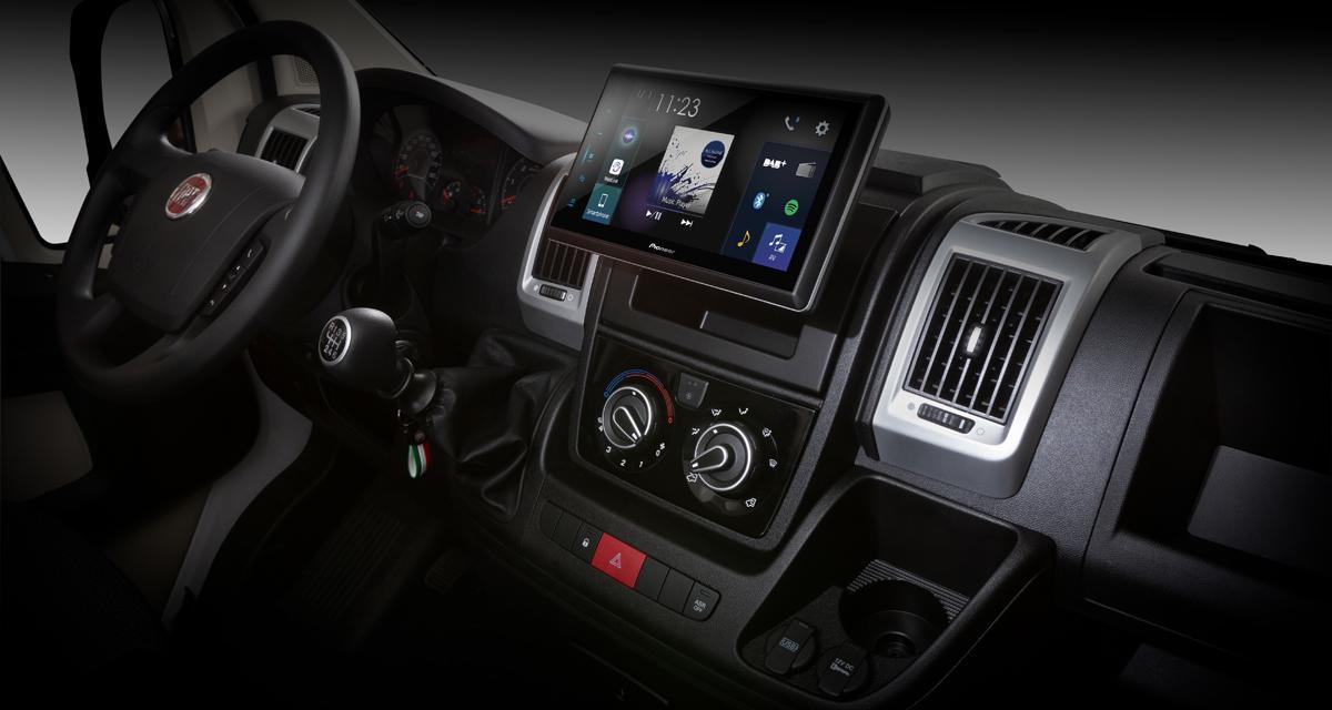 Pioneer dévoile un nouveau combiné à grand écran avec CarPlay pour le Fiat Ducato