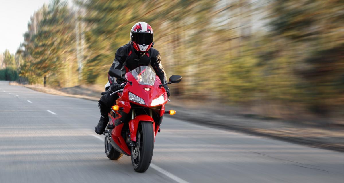 Flashé à 137 km/h à moto sur une route limitée à 80