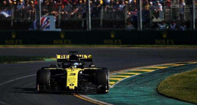 Flavio Briatore, toujours à l'affût des infos qui touchent la F1