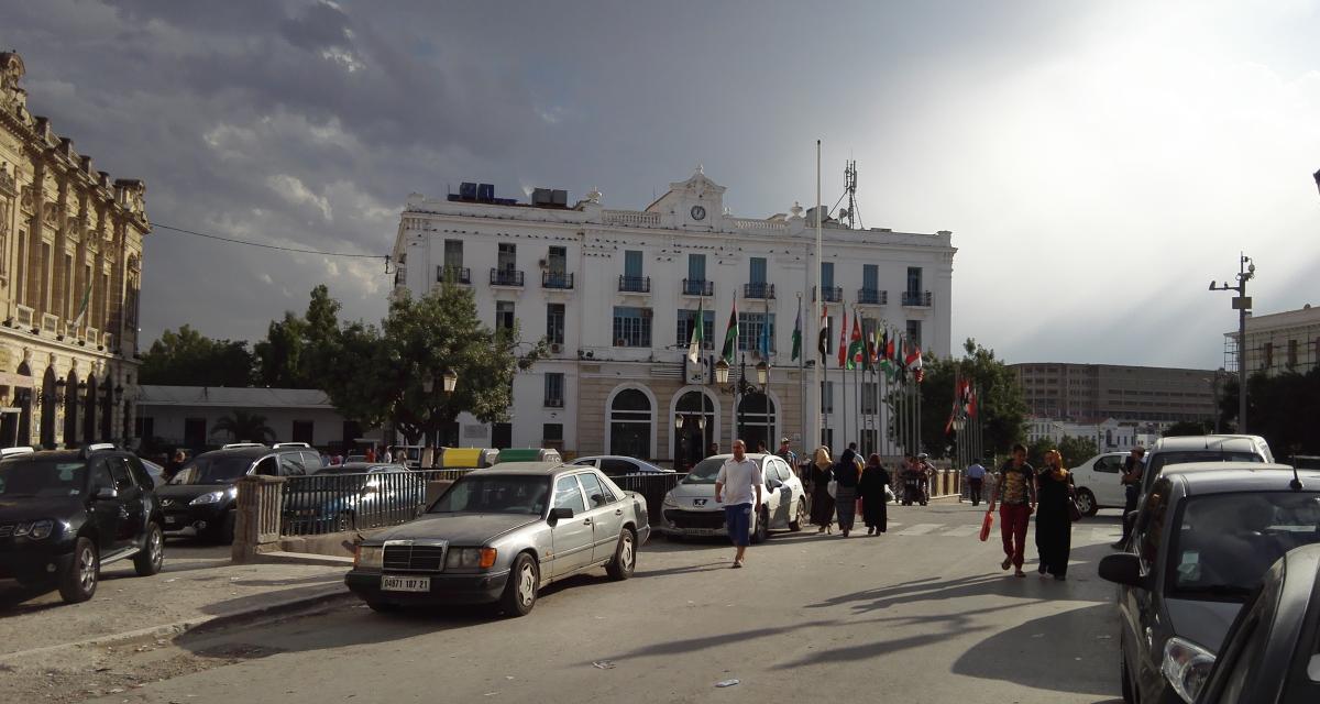 Vente de voitures d'occasion en Algérie : les douanes veulent mettre de l'ordre
