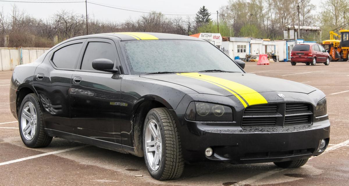 Course-poursuite avec la police à 251 km/h en Dodge Charger
