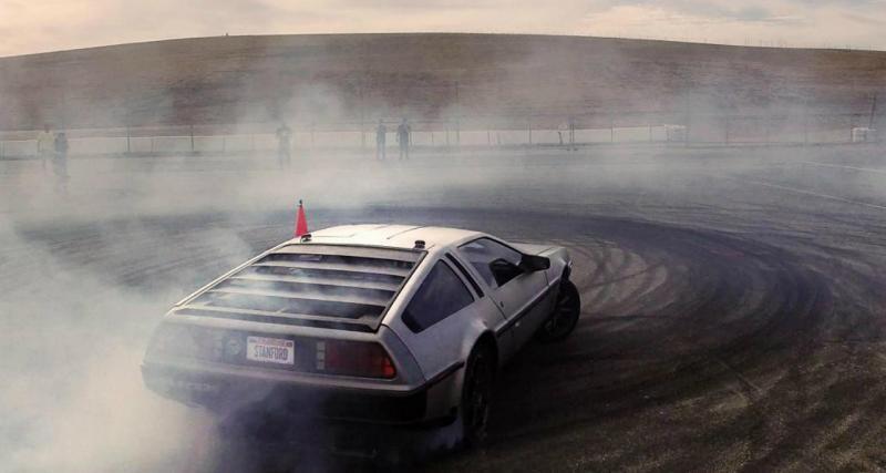 Insolite : une DeLorean autonome en mode drift (vidéo)