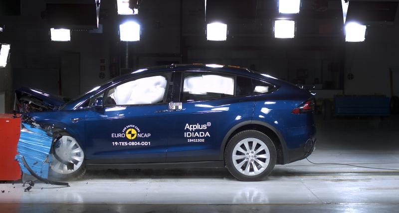 Mercedes au top, Tesla en force