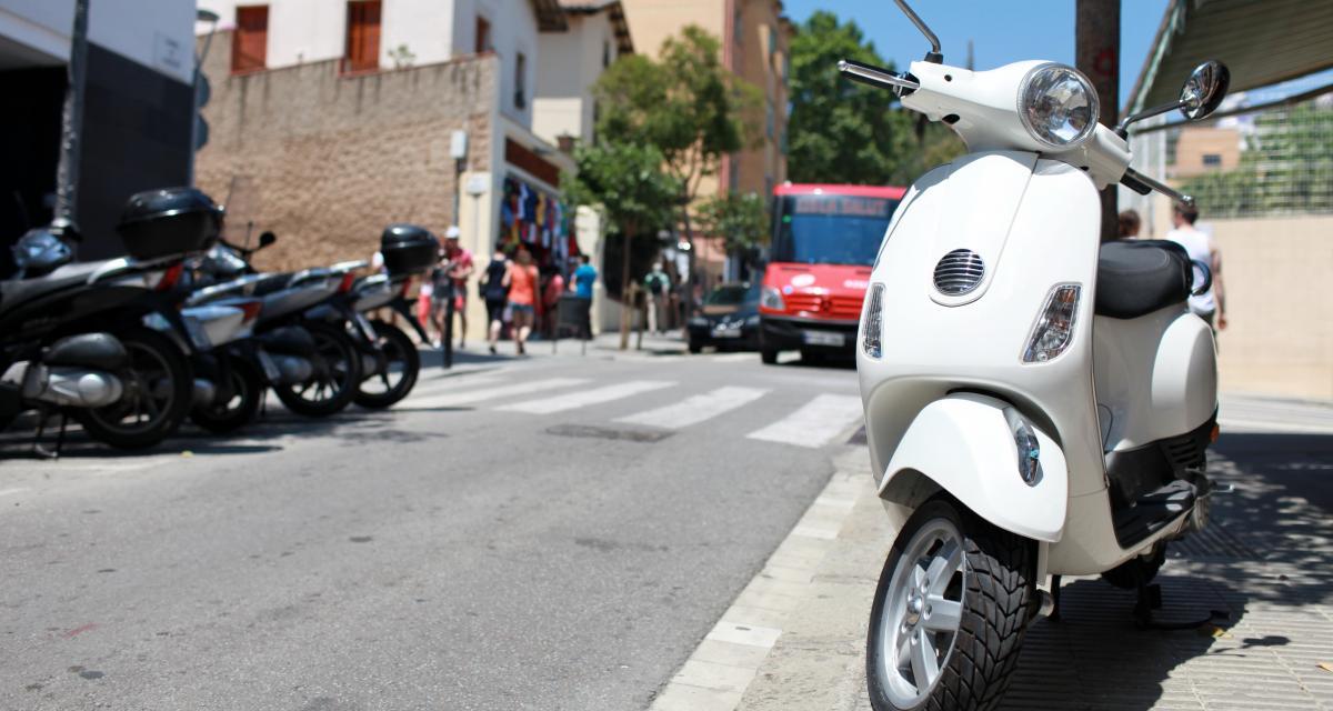 La police arrête un enfant de six ans sur un scooter