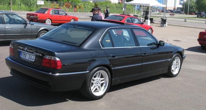 Tupac : sa dernière BMW Série 7 en vente plus de 1,5 millions d'euros