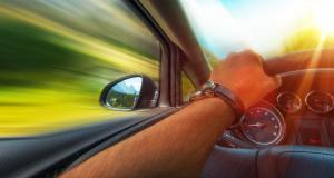 Flashé à 153 km/h : à peine obtenu, son permis lui est retiré
