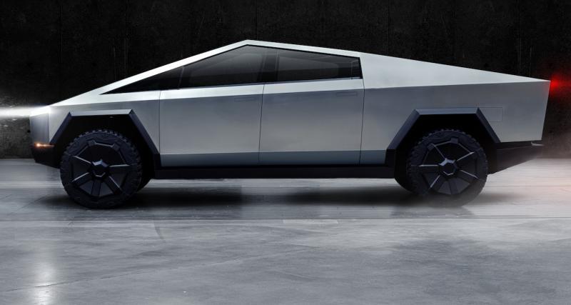 Tesla Cybertruck par Garage 24 : la prochaine star des dashcams russes
