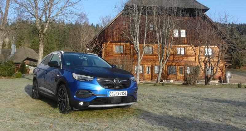 Opel Grandland X Hybrid4 : les images de notre essai du crossover hybride et rechargeable