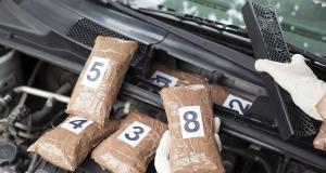 La police vend une voiture bourrée de drogue à un particulier