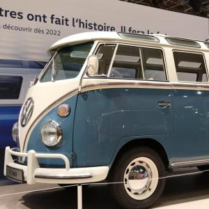 Saga Volkswagen Combi à Rétromobile : nos photos du mythique camping-car