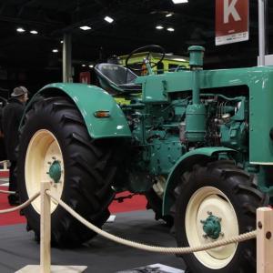 Porsche, Lamborghini, Aston Martin… : nos photos des tracteurs les plus cools à Rétromobile