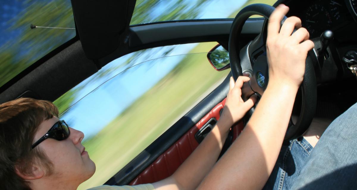 Flashé à 199 km/h sur l'autoroute, le chauffard de 21 ans perd son permis