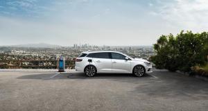 Nouvelle Renault Mégane hybride rechargeable E-Tech en 3 points