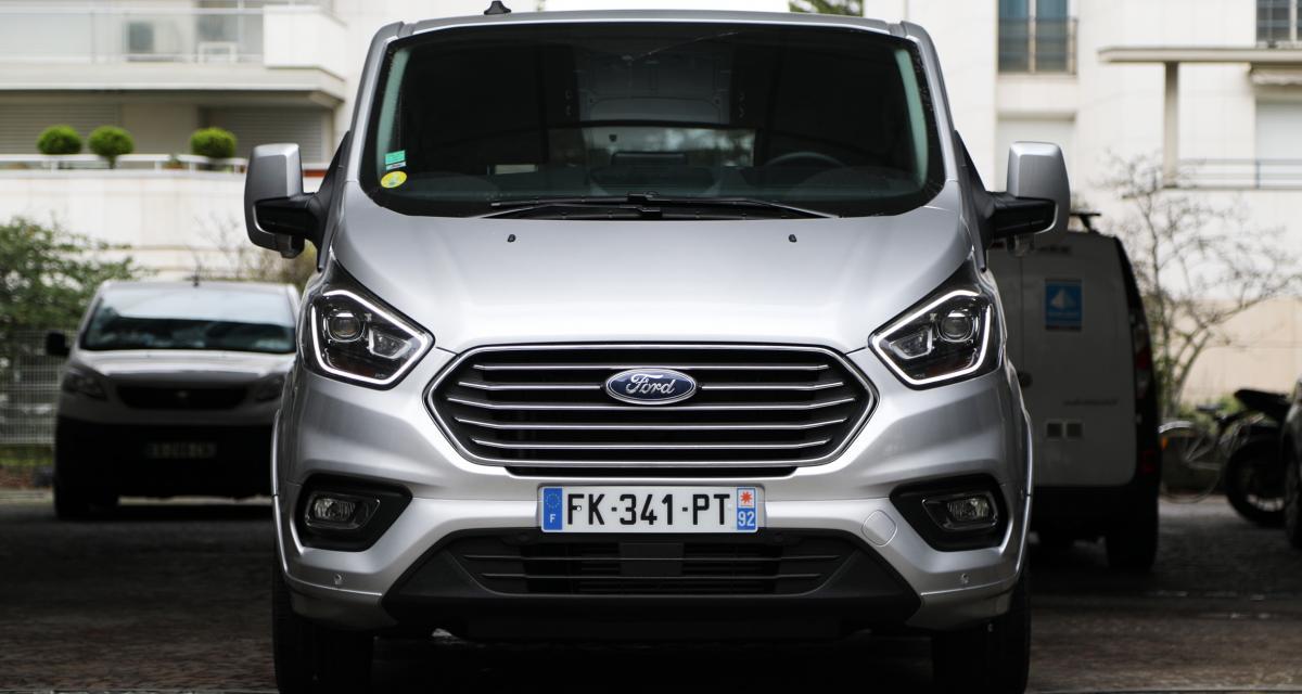 Essai du Ford Tourneo Custom 185 mHEV : le haut de gamme sinon rien