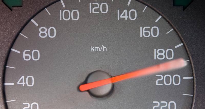 Flashé à 143 km/h sur une route départementale, il perd son permis