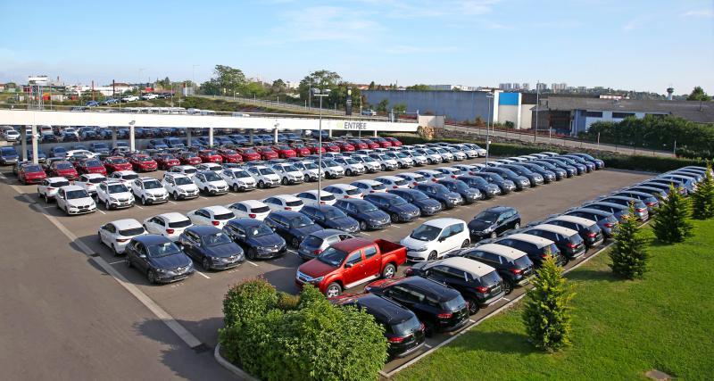Qu'est-ce qui différencie Starterre des autres plateformes de vente de véhicules multimarque ?