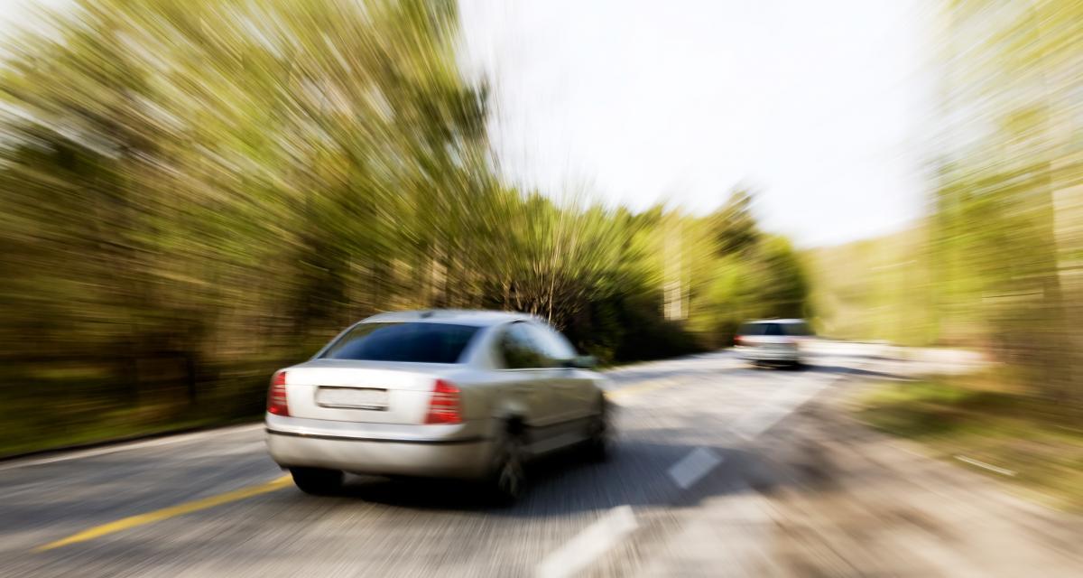 Excès de vitesse et insolite - cover